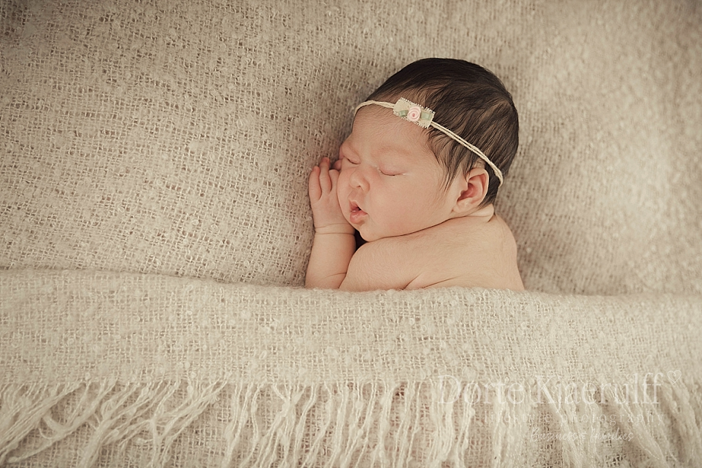 elegant newborn baby photographer
