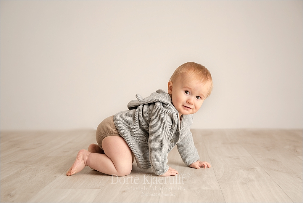 Baby photography, older babies